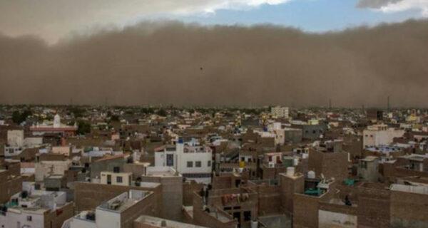Сильнейшая песчаная буря в Индии убила больше 140 человек