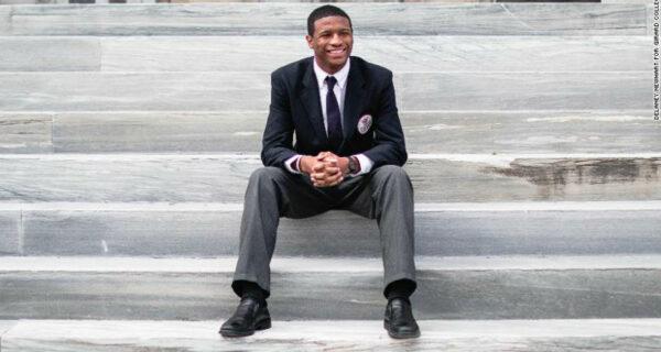 Как бедность стала мотивацией: парень два года прожил в приюте для бездомных и поступил в Гарвард