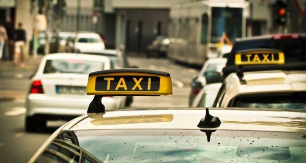 В преддверии летающих такси в Калифорнии запустили бесплатный сервис с беспилотными авто