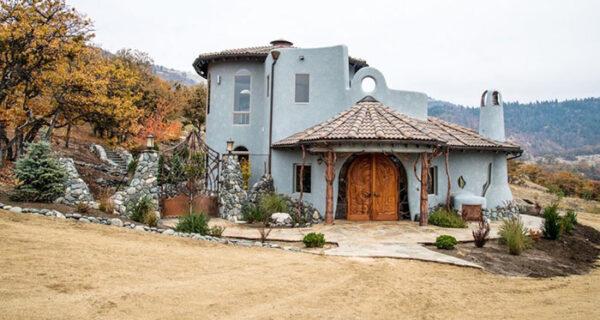 Скромный на первый взгляд дом в Орегоне внутри выглядит как дворец волшебника