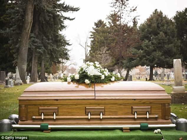 «Увидимся на той стороне»: работница крематория рассказала об особенностях своей работы людей, крематория, пепел, только, который, человек, поделилась, самом, иногда, больше, работа, предметы, после, выдают, отправляют, полностью, когда, последний, избыточным, ответила