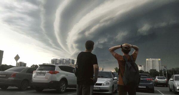 На Алтай пришел сильнейший за последние 30 лет ураган