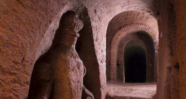 Армянин копал хранилище для овощей, но увлекся и построил подземный храм