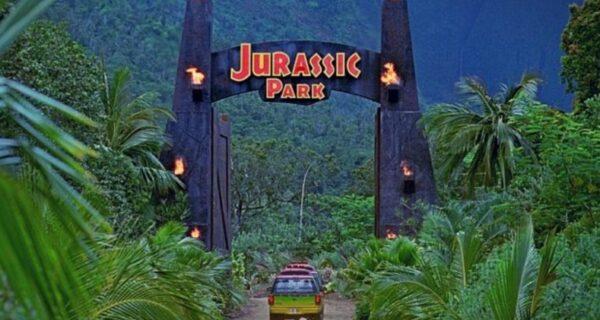 Илон Маск построит свой парк Юрского периода с блек-джеком и динозаврами