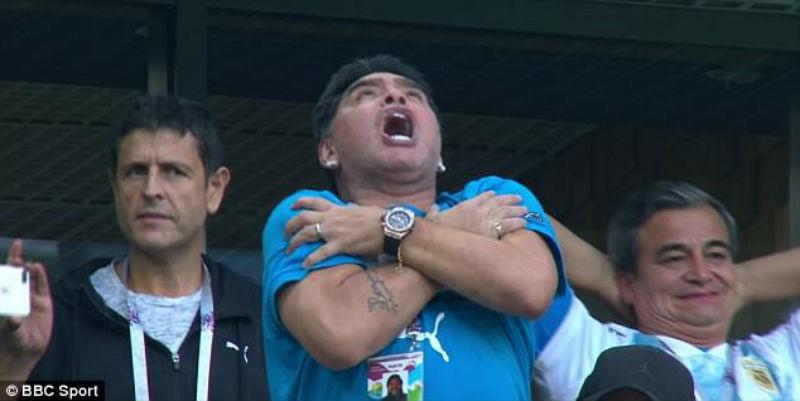 Диего Марадона получает 13 тысяч долларов от ФИФА за каждое появление на матче ЧМ-2018