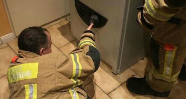 Немецкий пожарный рассказал, как спас мальчика, запертого в сейфе, код от которого знал только покойный дед