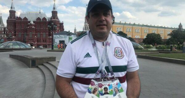 Он носит с собой билеты на всю семью: мексиканец похоронил жену и детей и все-таки прилетел наЧМ