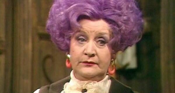 Секрет раскрыт! Вот почему старушки красят волосы в фиолетовый