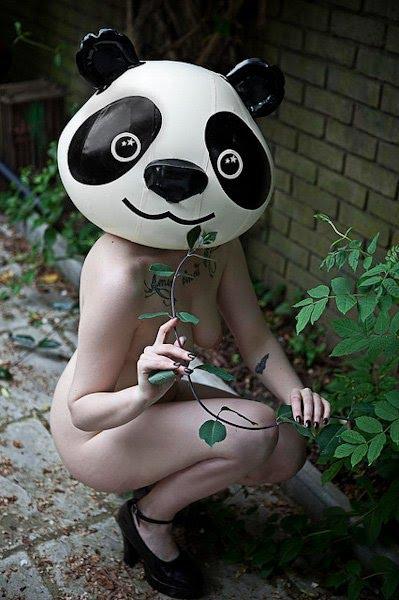 Bigpicture ru ben hopper mujeres desnudas con mascaras 12