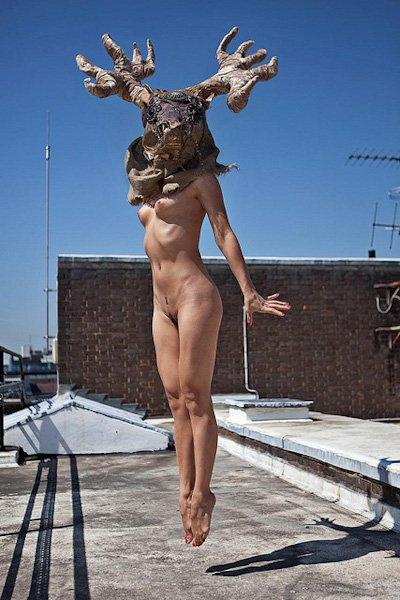 Bigpicture ru ben hopper mujeres desnudas con mascaras 15