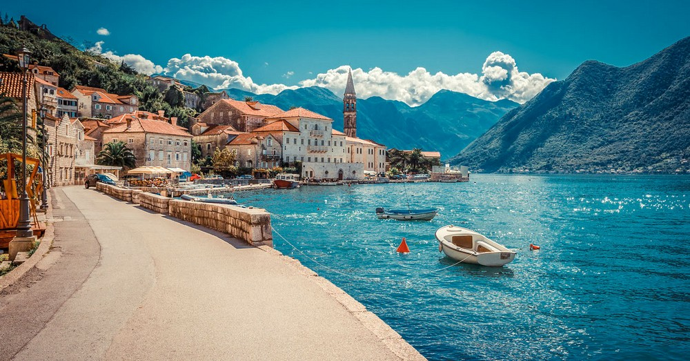 7 reasons to travel to Montenegro by car