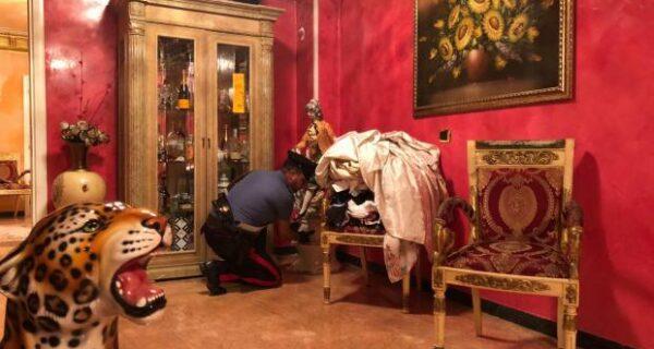Конфисковать и уничтожить: в Италии сносят виллы цыганской мафиозной семьи