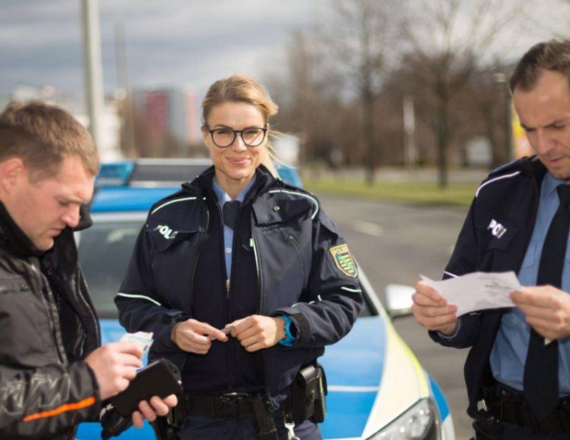 Фото полицейских девушек на работе работа в москве для девушки с