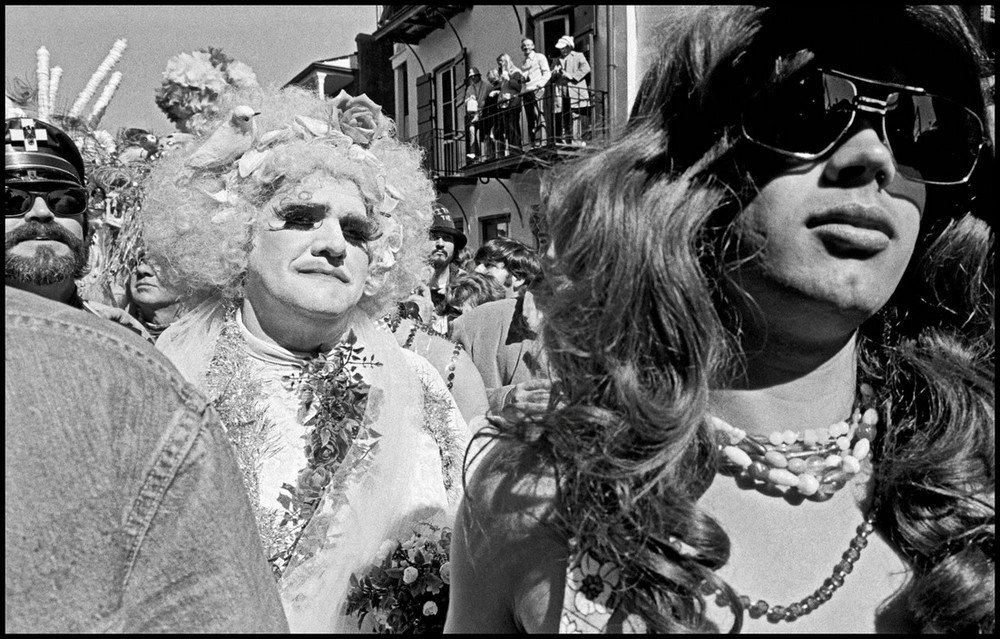 """""""Give us something!"""": Mardi Gras New Orleans in pictures of Bruce Gilden"""