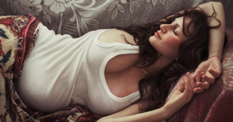Женская чувственность в снимках гения эротической фотографии Давида Дубницкого фото