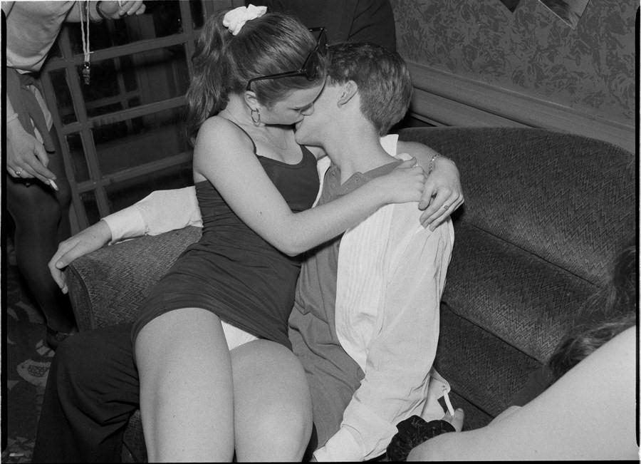 «Агония и экстаз»: гормонально заряженные фотографии юных влюбленных из 90-х фото