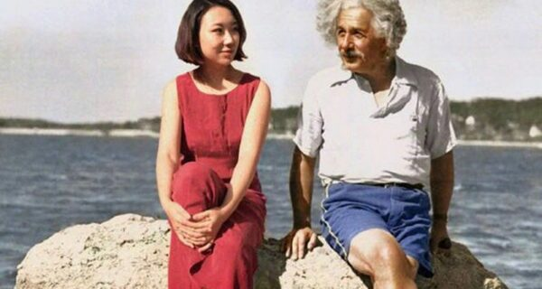 «Я везде»: китайская художница вставляет себя в культовые фотографии знаменитостей