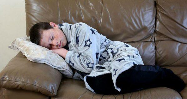 Спящий красавец: 11-летний мальчик попал в сонный плен и теперь живет на грани реальности и сновидений