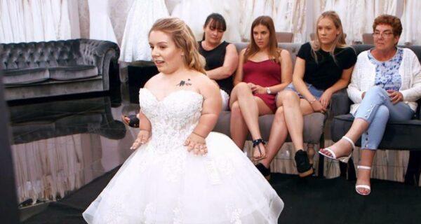 Сказка для Дюймовочки: невеста-лилипут наконец нашла свадебное платье своеймечты