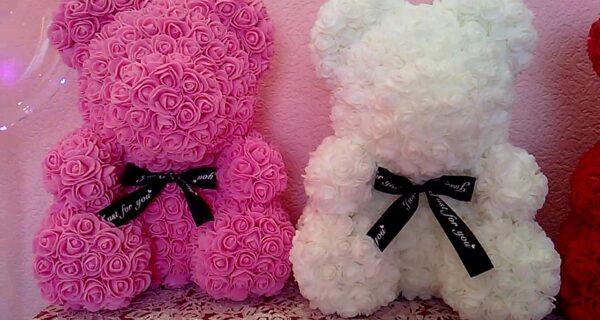 «Мишка из роз»: откуда к нам пришел этот модный подарок и как сделать его самостоятельно
