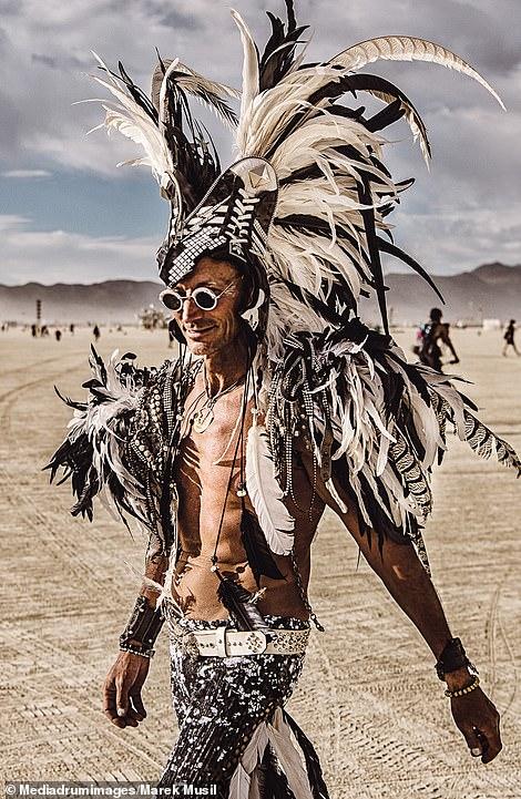 Пламя свободы: обнаженные чувства и тела на ежегодных фестивалях «Burning Man»