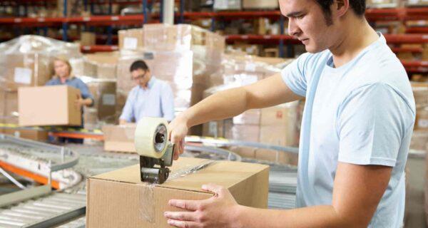 «Ловкость рук и никакого мошенничества»: 10+ гифок о том, как люди упаковывают товар