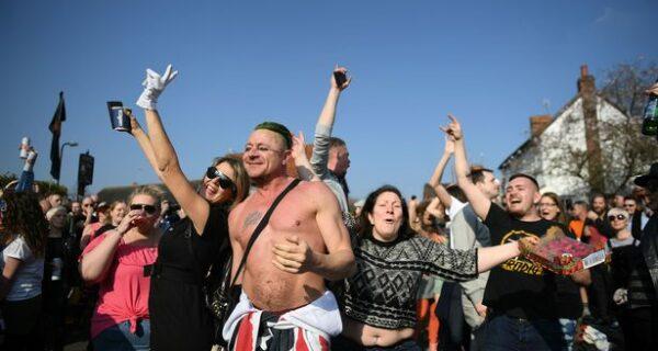 Пьяные поминки: похороны фронтмена группы «The Prodigy» Кита Флинта закончились шумной вечеринкой