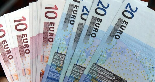 Эксперимент не удался? Финляндия перестала платить безработным «просто так»