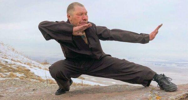 Король антигламура Олег Монгол — звезда инстаграма нового формата