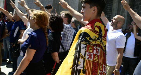 Созревшая ненависть: как в огромных теплицах Испании были посеяны семена движения ультраправых