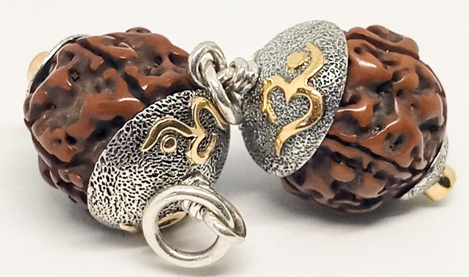 Из плодов местного дерева могут быть изготовлены элементы индийских украшений и деталей индийского сари