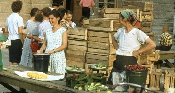 Фотоэкскурс по советским магазинам и рынкам