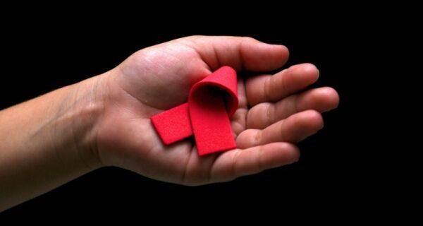 Турбаза отказала в размещении детям: персонал испугался заразиться ВИЧ