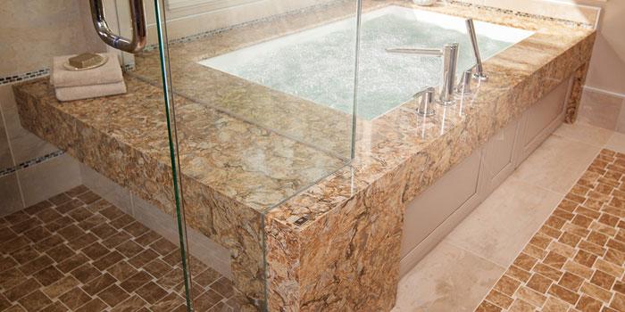 Кварцевый камень в интерьере ванной