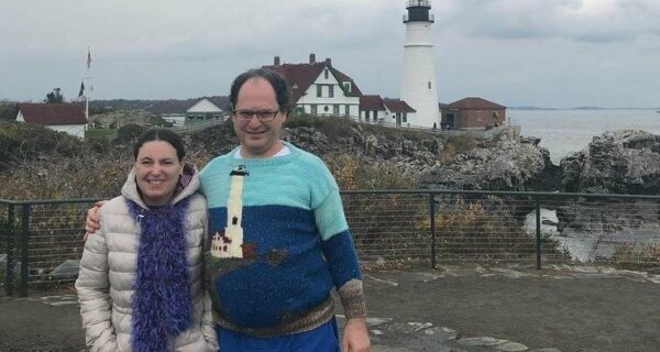 Теплый туризм: американец вяжет свитера с достопримечательностями