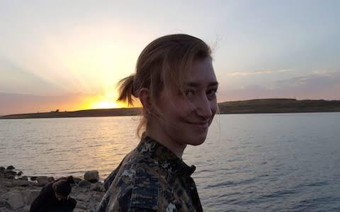03BA845C BF71 4B56 AB46 DBEC7DE81708 6835 00000151855EAB6D - Женщина, которая ушла воевать: отец узнал, как погибла его дочь, сражавшаяся в Сирии против ИГИЛа