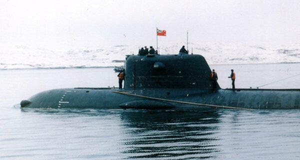 14 жертв «Лошарика»: что случилось на секретной подлодке в Баренцевом море