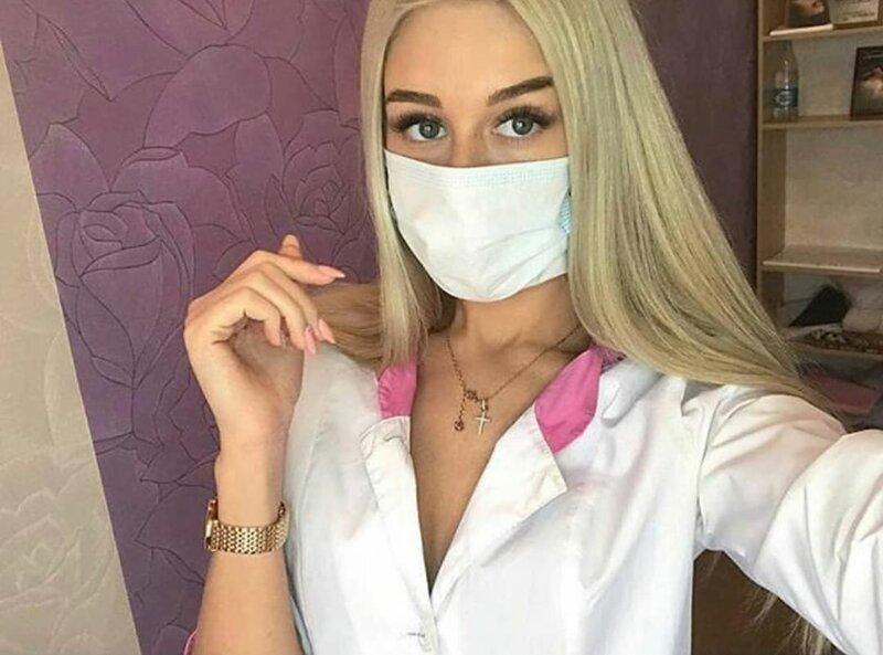 С таким медперсоналом и умереть не страшно: 16 фото красоток в белых халатиках фото