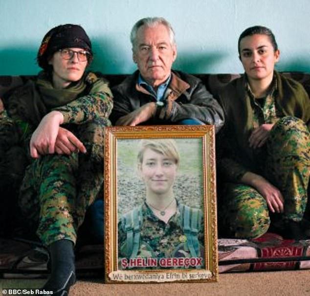 IMG 8399 - Женщина, которая ушла воевать: отец узнал, как погибла его дочь, сражавшаяся в Сирии против ИГИЛа