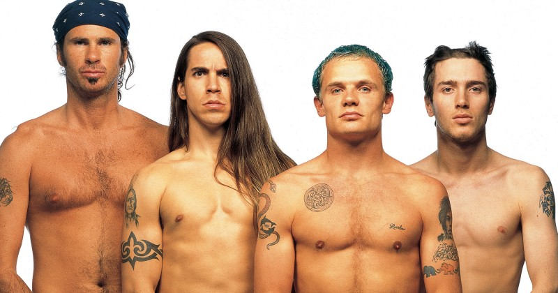 Без одежды и комплексов: 8 звезд, выступавших голыми на сцене фото
