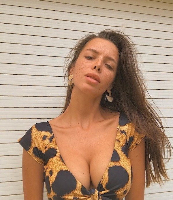 cf59f14551b93d21f714b17a1e6e9964 - Поцелованные солнцем: 25 фото горячих девушек с веснушками