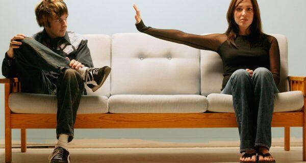Советы эксперта по этикету: 10 вопросов, которые людям лучше не задавать