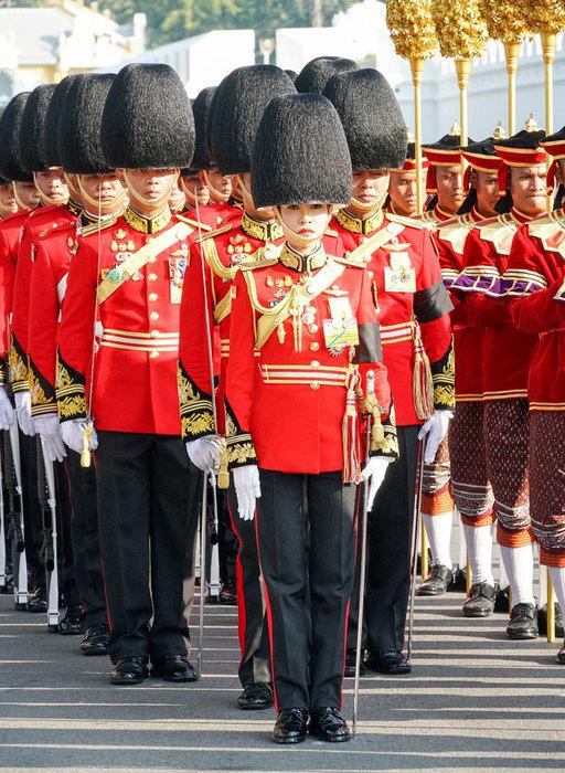 Король Таиланда женился на генерале (второй раз за год)