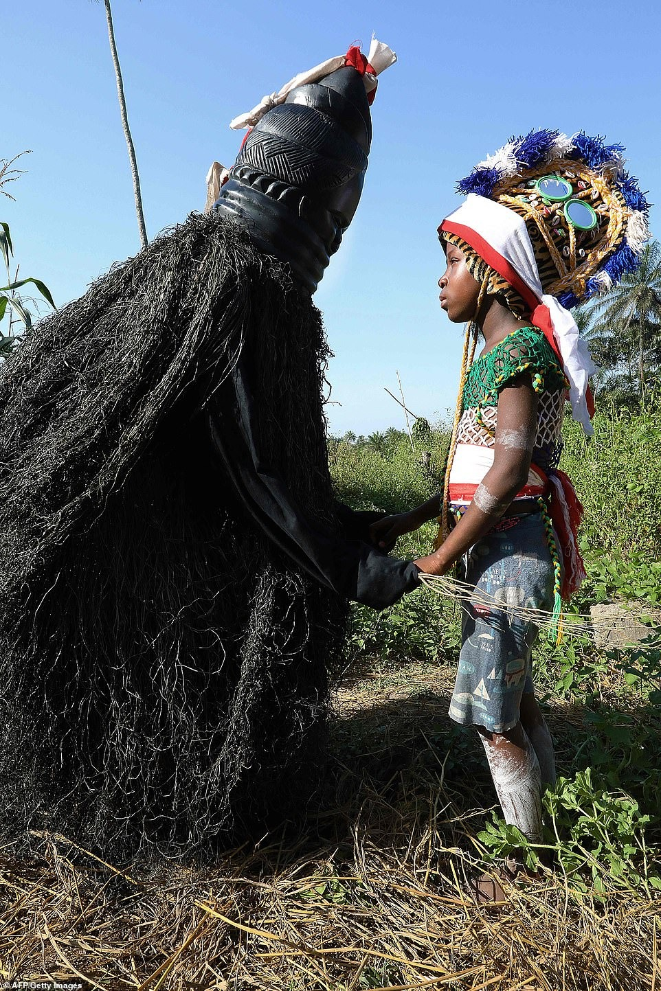 Кровавое воспитание: жизнь внутри тайных общин Сьерра-Леоне полна извращений и боли