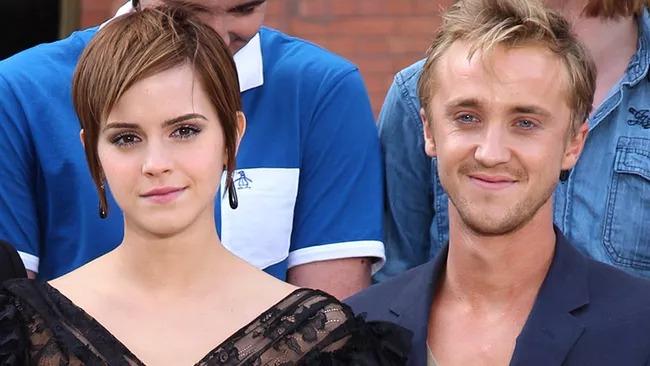 Эмма+Том=любовь? Актеры «Гарри Поттера» поделились интимным фото с совместного отдыха фото