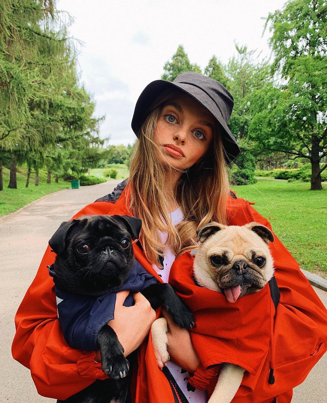 Блогерша из Украины покорила интернет невероятно большими глазами. И это не фотошоп