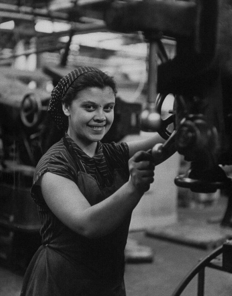 LisaLarsen01 - Простые москвички 1950-х глазами американки