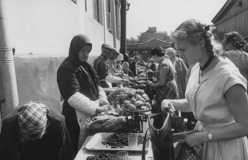 LisaLarsen08 - Простые москвички 1950-х глазами американки