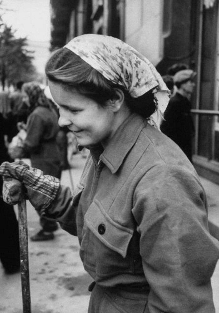 LisaLarsen10 - Простые москвички 1950-х глазами американки