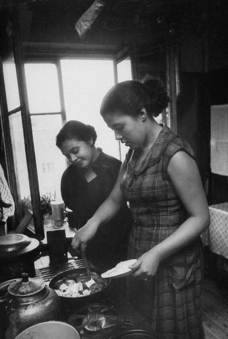 LisaLarsen12 - Простые москвички 1950-х глазами американки
